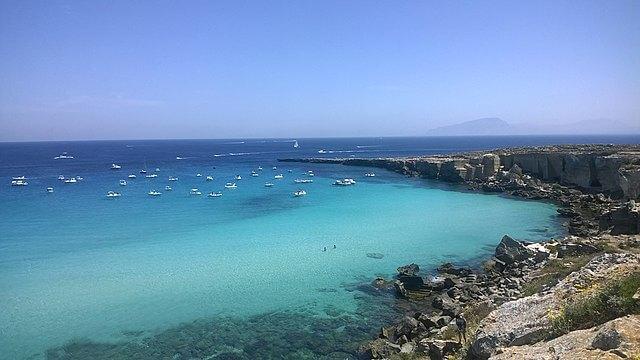 Spiaggia di Cala Rossa in Sicilia